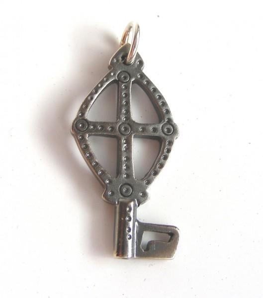 Schmuckanhänger Karolingischer Schlüssel M